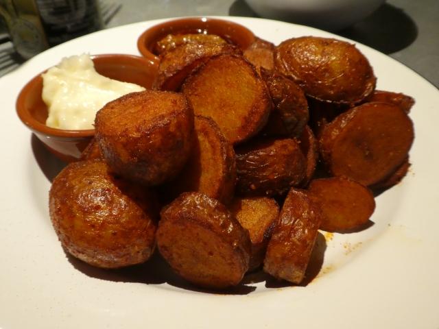 Curado Bar Patatas Bravas